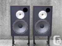 Awesome 70's vintage Canadian made speakers by API,the