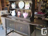 THIS CHINA CABINET CAN BE MOVED AS AN UPPER AND LOWER