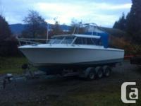26 feet hourston glasscraft. Terrific sea boat. Runs