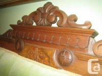 Excellent Walnut Victorian, settee from the 1800's,
