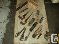 COLLECTION OF VINTAGE & ANTIQUE HAND TOOLS; PLANERS,