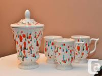 1960s or 70s painted ceramics set. Excellent condition.