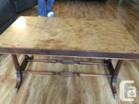 Lovely vintage coffee table. Beautiful wood and table