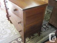Vintage oak 4 drawer dresser with tilting mirror. Good