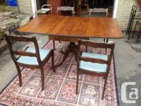 ANTIQUE DUNCAN PHYTHE. TABLE. AND 4 CHAIRS.  Fact.  IN