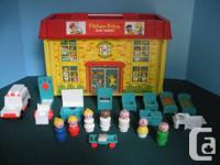 1 -Vintage Fisher Price Little People Play Family