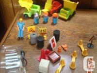 Photo 1 3 Vintage Fisher Price Little People
