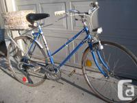 Vulcan 5 speed rides like new.  Comes with working