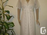 never worn, beautiful 2pc white Nightgown & Robe size