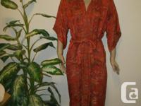 Vintage Chinese Silk Robe size M -- try it on and see