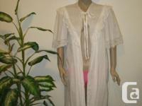 Long white Robe 100% COTTON size M/L (NO LABLE) the