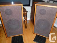 Hi, this is a beautiful pair of wonderful sounding