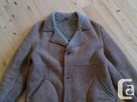 Large vintage men's sheep skin coat in excellent