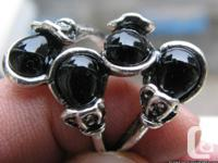 Natural black onxy Thailand silver lady ring, size 8.