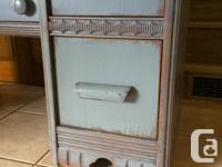 Vintage Waterfall style vanity with nice detailing and