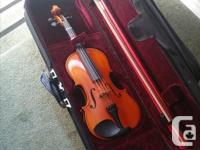 Almost-new violin for sale in Shawnigan Lake. 4/4