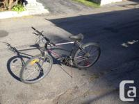 """Ce vélo roule très bien. Les roues sont des 26"""" le"""