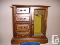 Antique Jewelery chest with Sankyo genuine SONGS BOX -