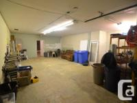 Sq Ft 3500 MLS 405818 3500 sq ft of lower level space