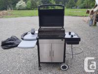 WEBER NATURAL GAS BARBECUE IN EXCELLENT CONDITION.