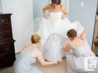Selling excellent condition wedding dress and
