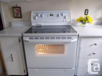 Whirlpool flat top stove. Glass top is free of