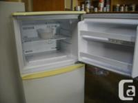 White Danby apt size frost free fridge, excellent