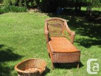 Very elegant wicker lounge-chair. Very good condition.