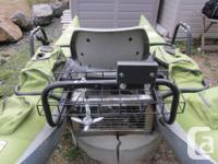 inflatable rowboat no leak.used 1 seasons.comes with