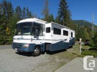 2003, 36' two slides, workhorse chevy gas engine with
