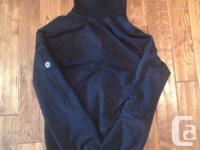 Woman's Cute! Black lululemon sweater. Size 2/4 which