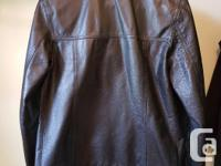 Women's Leather Jacket in like-new condition. Black.
