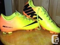 Dimension 4. Adidas Grass footwears (black) utilized 1