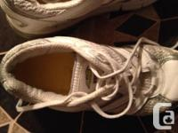 Very good condition Color: white They may fit more like