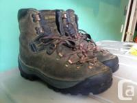 Great all purpose mountain boots. Excellent for hiking