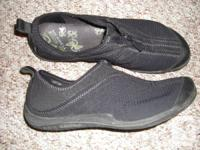 Selling a pair of women's Merrell shoes, size 9.  The