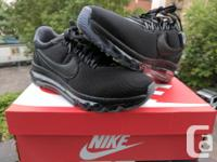 Selling 1 pair of Womens Nike Air Max LD-Zero