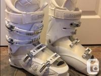 "Women's Rossignol ""Kiara 50"" ski boots size 26.5"