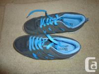 Women's running shoes. Runarpower brand. Size 8.5 Made