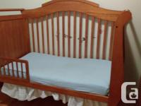 Interchangeable crib: Bars can be low/high. Can