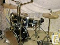 9 ply mahogany Rogers R-380 drums (black) with dual