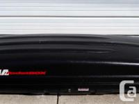 Very good condition Yakima / Thule roof top cargo / ski