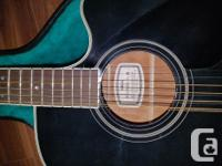 Selling my black 12 string Yamaha plug-in acoustic for sale  Ontario