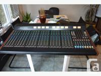 Yamaha 2408M 24x8 Monitor Mixer in good condition,