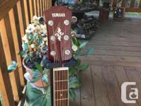 The Yamaha APX500 is about three things: great sound, a