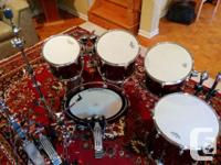 Mint condition Yamaha Birch Custom Absolute 5 piece set