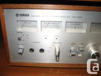 Beautiful CR 1020 Yamaha Receiver, powerful 70 watts