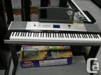 Yamaha Electric Keyboard YPG-525