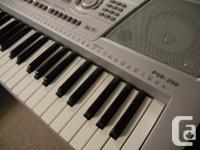 Yamaha PSR 290 61 key Keyboard. Works good. Comes with