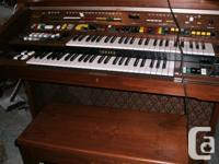 electric mint condition bench available many sounds